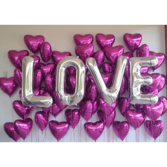 Фотозона из шаров Love