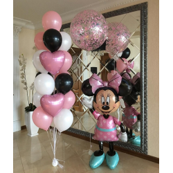 Фонтан из шаров Минни Маус на дне рождения
