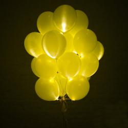 Светящиеся шары желтые